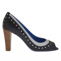 Woman's open toe pump in black and white leather heel 8