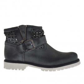 Woman's boot with buckle and zipper in black pierced leather  - Available sizes:  32