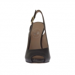 Woman's sandal in black leather with inner platform and heel 11