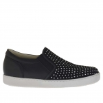 Chaussure pour femmes avec elastiques et goujons en cuir et daim noir talon compensé 2 - Pointures disponibles:  32