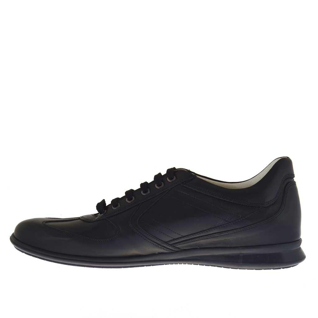 chaussure sportif pour hommes avec lacets en cuir noir. Black Bedroom Furniture Sets. Home Design Ideas