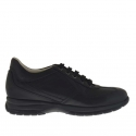 Men's sports shoe with laces in black leather