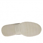 Men's sports shoe with laces in taupe leather and grey fabric