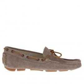 Men's laced car shoe in dove grey suede