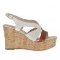 Sandale pour femmes en cuir blanc et brun avec plateforme et talon compensé en liège 9