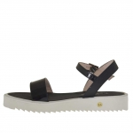 Woman's strap sandal in printed black leather and patent leather wedge 2.5