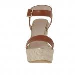 Sandale pour femmes avec courroie en cuir bun clair et cuir verni or avec plateforme et talon compensé en corde 12 - Pointures disponibles:  42