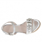 Woman's strap sandal with stones in silver patent leather with cork platform and heel 12