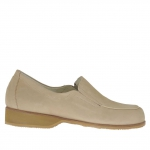 Woman's closed shoe with rubber bands in beige nubuck leather heel 3