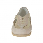 Woman's closed shoe with velcro strap in sand nubuck leather and platinum leather