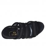Sandalia para mujer con plataforma, 3 bandas y red en gamuza negra tacon 12 - Tallas disponibles:  42
