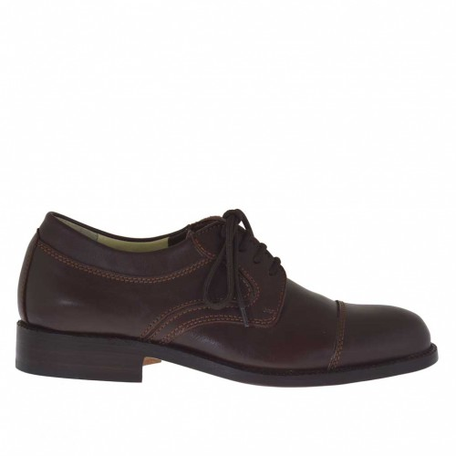 Laced men's derby shoe with captoe in brown leather - Available sizes:  48
