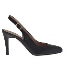Woman's slingback pump in black leather heel 9