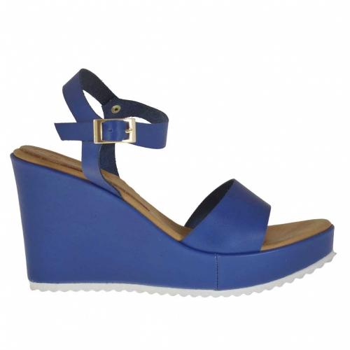 Sandalia para mujer en piel azul con cinturon, plataforma y cuña 9 - Tallas disponibles:  42