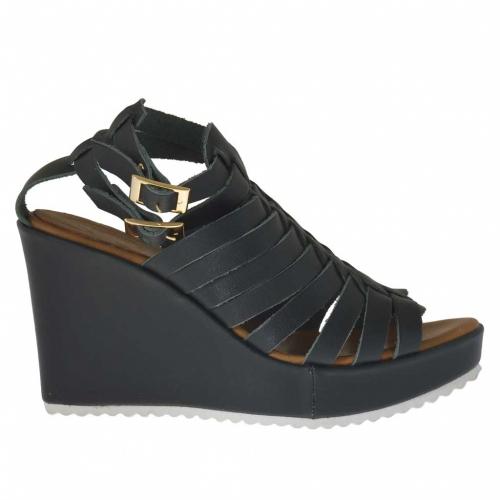 Sandale pour femmes avec plateforme et courroies entrecroisés en cuir vert sapin talon compensé 9 - Pointures disponibles:  42, 43