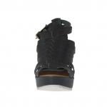 Sandalo da donna con listini intrecciati, 2 cinturini e plateau in pelle verde bosco zeppa 9 - Misure disponibili: 42, 43