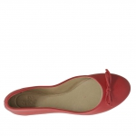 Woman's ballerina shoe with bow in red leather