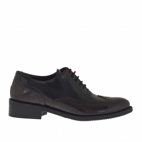 Woman's laced and high-fronted Oxford shoe in maroon and black brush-off leather heel 3 - Available sizes:  45