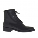 Woman's laced ankle boot Oxford style with zipper in black leather heel 3