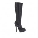 Woman's boot with platform and zipper in black leather heel 15
