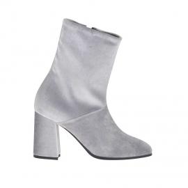 Stivaletto da donna con cerniera in velluto grigio chiaro tacco 8 - Misure disponibili: 34