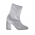 Woman's ankle boot with zipper in light grey velvet heel 8