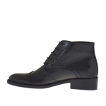 Woman's laced ankle boot Oxford style in black leather heel 3