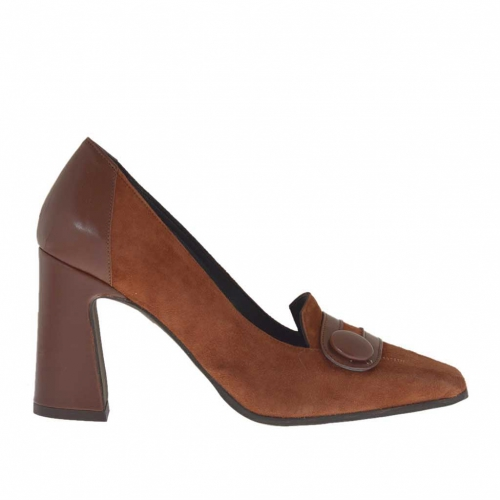 Closed woman's shoe with button in brown leather and suede heel 8 - Available sizes:  43