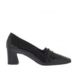 Scarpa accollata da donna in vernice nera tacco 5 - Misure disponibili: 32, 44