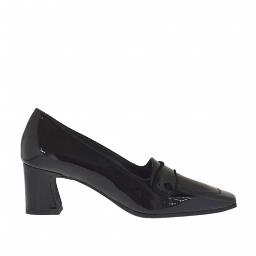 Woman's closed shoe in black patent leather heel 5 - Available sizes:  44, 45