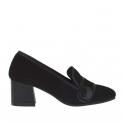 Chaussure fermée pour femmes avec bouton en cuir et daim noir talon 5