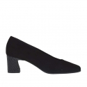 Woman's pump in black suede and printed leather heel 5