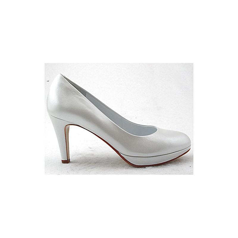 Escarpin avec plateformeen cuir de couleur blanche perle avec talon 8 - Pointures disponibles:  32, 45