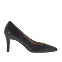 Pump shoe in black leather heel 7