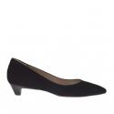 Woman's pump in black suede heel 3
