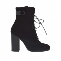 Woman's laced ankel boot with zipper and button in black suede and printed suede heel 9