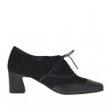 Chaussure a lacets pour femmes en cuir et daim noir talon 5