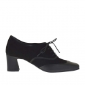 Woman's laced shoe in black leather and suede heel 5