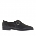 Woman's closed shoe with buckle in black leather and printed leather heel 1.5 - Available sizes:  45