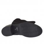 Woman's boot with zipper in black suede heel 5
