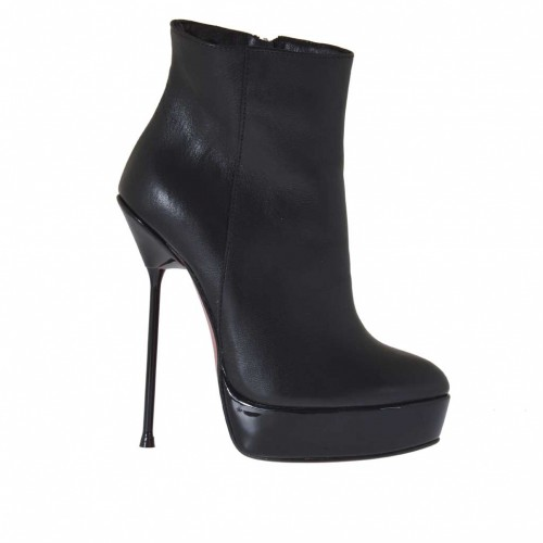 Woman's ankle boot in black leather with zipper, platform and varnished heel 13 - Available sizes:  34