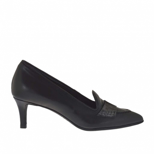Woman's closed shoe in black leather and silver laminated leather heel 5 - Available sizes:  32, 33, 34, 43