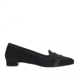 Scarpa accollata da donna in camoscio e pelle nera e pelle laminata argento tacco 1,5 - Misure disponibili: 34