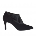Woman's closed shoe in black suede and elastic patent leather heel 7