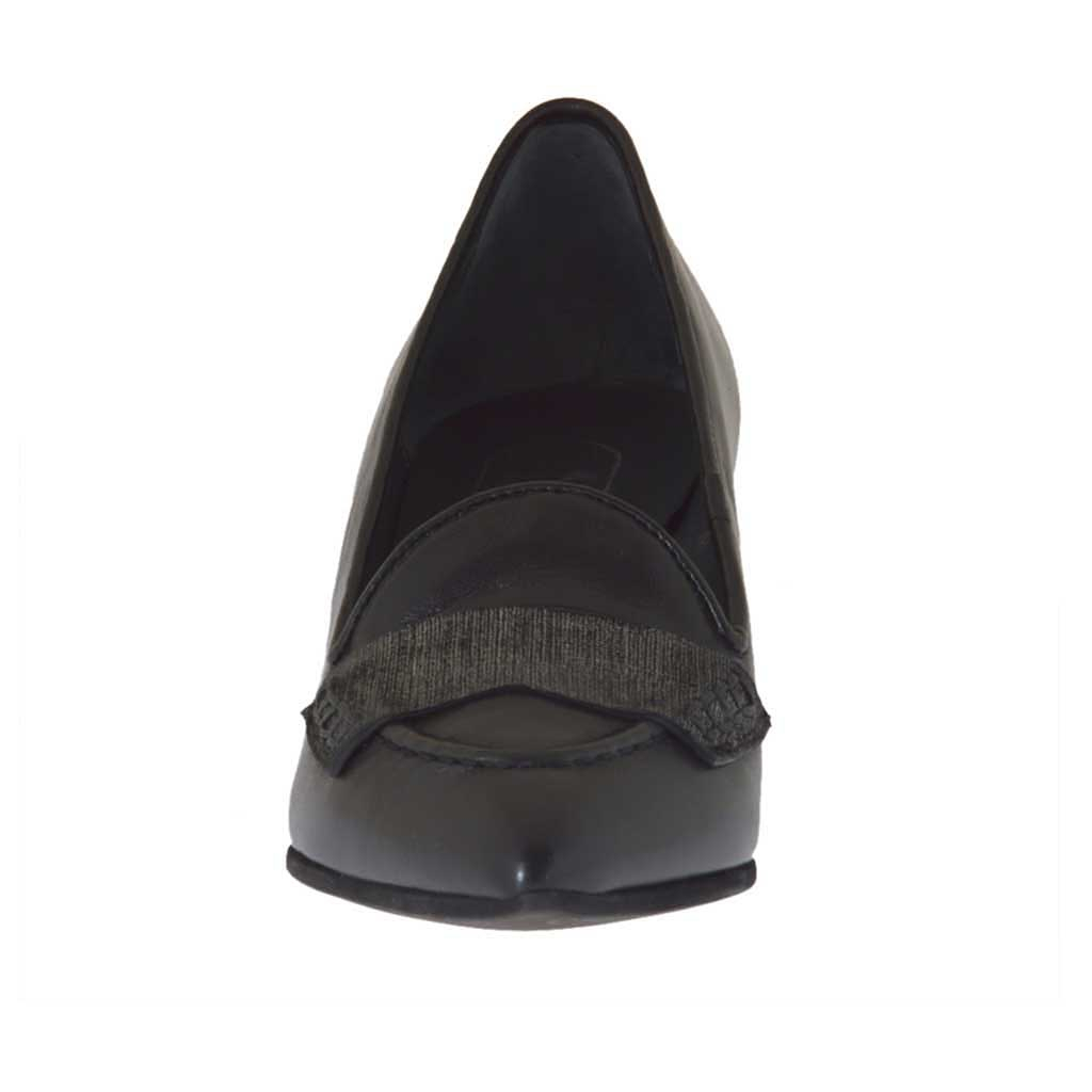 chaussure ferm e pour femmes en cuir noir et cuir lam argent talon 5 ghigocalzature. Black Bedroom Furniture Sets. Home Design Ideas