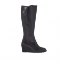 Woman's boot in black leather with zipper wedge 6