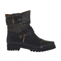 Woman's ankle boot with zippers and straps with buttons in black and grey  leather heel 3
