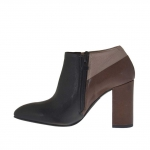Woman's closed shoe in black, brown and beige leather with zipper heel 9
