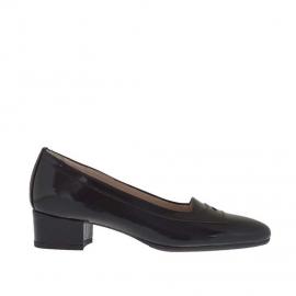 Scarpa accollata da donna in vernice stampata nera tacco 3 - Misure disponibili: 34