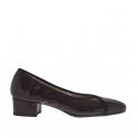 Chaussure escarpin fermée pour femmes en cuir verni bordeaux talon 3